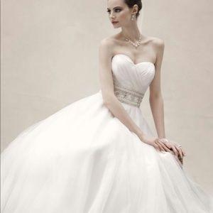 Oleg Cassini Wedding Dress!
